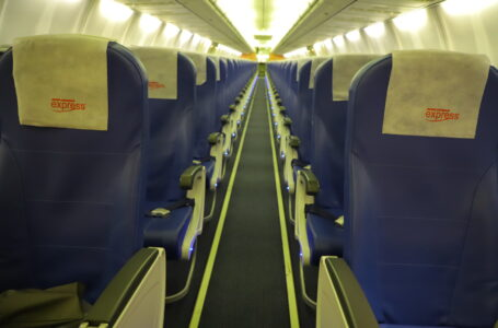 Airplane Etiquette: 6 Basic Rules to Follow